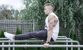 workout with gymnastic rings