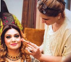 best makeup artist in dubai fizza