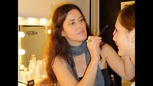 how to bee a makeup artist first