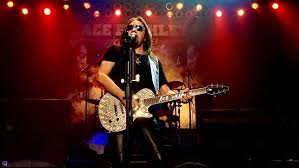 ACE FREHLEY - Original KISS Guitarist Signs New 3-Album Deal With eOne -  BraveWords