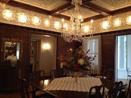 cresent dining room very elegant