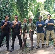Jurassic Park 2 Stunt Doubles   Jurassic world claire, Jurassic park  costume, Jurrasic park costume