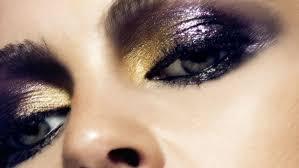 Entre las tendencias de maquillaje que triunfan, la sombra violeta ...
