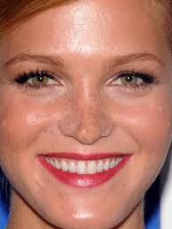6 must know makeup tips for freckles