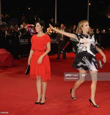 US actress Parker Posey and US film director Zoe Cassavetes arrive to...  News Photo - Getty Images