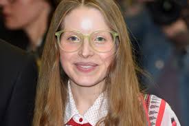 Harry Potter star Jessie Cave reveals she's pregnant with her ...