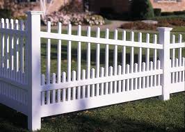 Simple And Modern Tips Backyard Fence Layout Fence Lighting Bird Feeders Fence Plants Morning Glories Fence Ar Backyard Fences Front Yard Fence Aluminum Fence
