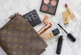 what s in my makeup bag the way to my