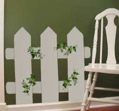 Use A Fence Picket Stencil And Some Animals Stencils To Paint Barn Yard