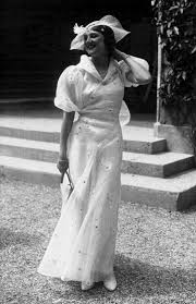 Pin by Dalena Vintage on Vintage | 1930s Photos | Vintage fashion 1930s,  Fashion for petite women, Womens fashion casual boho