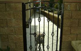Chain Link Fence Eastvale Corona Ca Wood Vinyl Iron Fencing Automated Gates