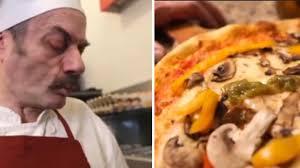 Pizza-Corona, lo spot francese offende i napoletani: