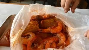 New Cajun-style seafood restaurant ...