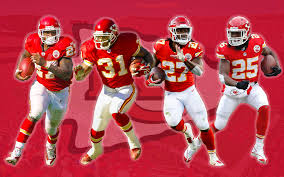 Chiefs running backs welcome Kareem Hunt into the club | Priest Holmes