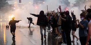 Minneapolis Police Clash With ...