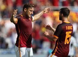 Pjanic al Barcellona, i complimenti degli ex Roma. Totti: