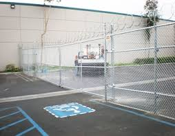 Chain Link Fence Fullerton Ca Wood Chain Link Fences Gates In Brea Placentia Ca