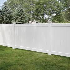 Freedom Ready To Assemble Bolton 5 Ft H X 8 Ft W White Vinyl Flat Top Vinyl Fence Panel Lowes Com In 2020 White Garden Fence Vinyl Fence Panels Garden Fence Panels