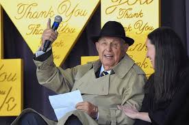 A. Alfred Taubman, mall magnate jailed in auction scandal, dies at ...