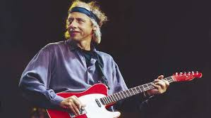 Mark Knopfler makes heartbreaking confession after many years