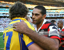 David Peachey of the Bears congratulates Aaron Wood of the Eels after...  News Photo - Getty Images