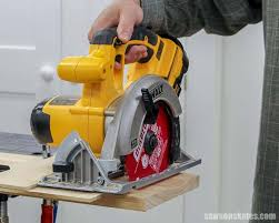 How To Make A Diy Circular Saw Crosscut Jig Cheap Easy Saws On Skates