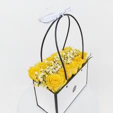 سلة ورد أصفر زهرة لاريس Lares Flower