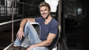 Adam Demos: How a Wollongong bogan cracked Hollywood with an unreal role |  Daily Telegraph