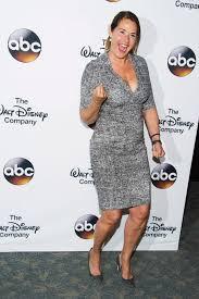 Lorraine Bracco bio: age, net worth ...
