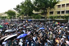 รวมภาพบรรยากาศการชุมนุมบนถนนราชดำเนิน เมื่อวันที่ 16 สิงหาคม