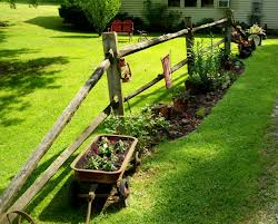 Pin By Mary Criss On Repurpose Gardening Fence Landscaping Backyard Fences Backyard Landscaping Designs