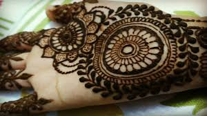 easy simple circle mehndi design