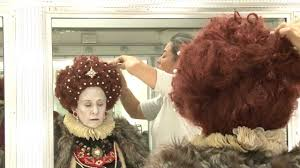 making the queen hair makeup for