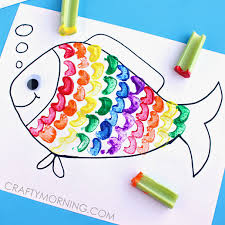 Celery Stamping Rainbow Fish Craft for Kids | Rainbow fish crafts, Animal  crafts for kids, Fish crafts
