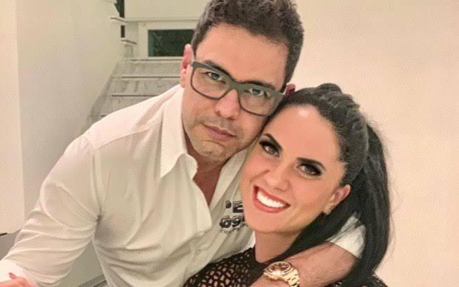 """Resultado de imagem para Graciele Lacerda assina documento e abre mão da fortuna de Zezé"""""""