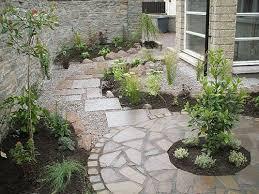 love this small garden design