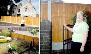 Wendy And Paul Collins Trapped By 6ft Fence Built Around Their Home Uk News Express Co Uk