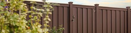 5 Reasons Trex Fencing Is Better Than Wood