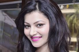 beautiful urvashi rautela smile hd