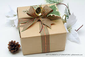 christmas gift wrapping with kraft and