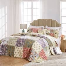 Blooming Prairie Bedspread Set by Greenland Home Fashions