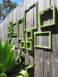 25 Ideas For Decorating Your Garden Fence Diy Garden Fence Garden Wall Art Outdoor Wall Art