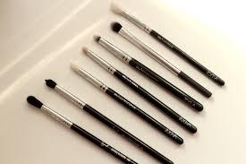 makeup brushes for smaller eyes