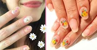 pressed flower nails are the prettiest