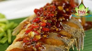 Thai Food Crispy Fish with Chilli Sauce ...
