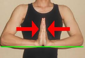 座ってできる上半身を鍛える・胸を鍛える筋トレ