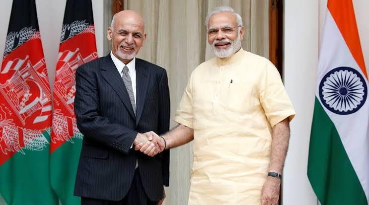 هند افغانستان ته څلور چورلکې ورکوي
