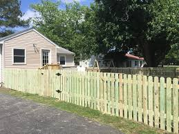 Dog Eared Picket Fence Deltaville Va Fence Scapes Llc