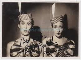 MUSIC HALL, VARIETY comediennes Ethel Revnell and Gracie West. Signed  postcard - £4.00 | PicClick UK