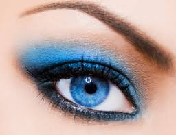 yes you can wear blue makeup here s